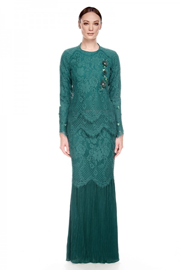 Orisa Kurung in Light Sea Green